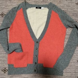 BDG Cardigan sweater with 2 front pockets size SP